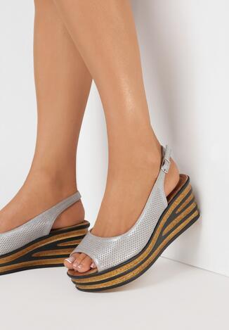 Beżowe Sandały Adozelsa