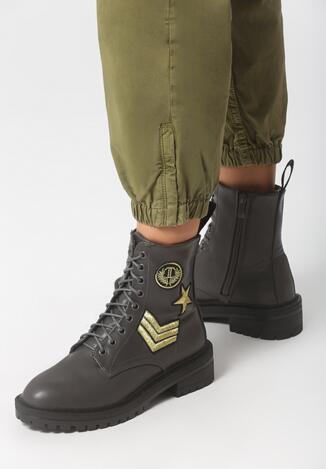 Szare Botki Military Service