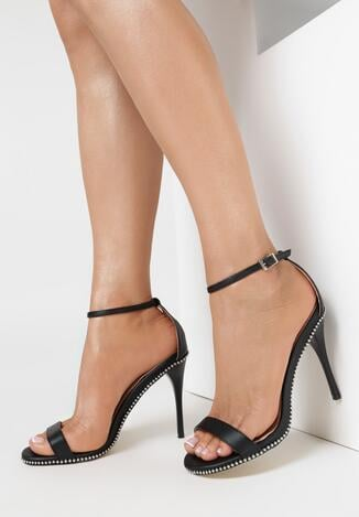 Czarne Sandały Move Closer
