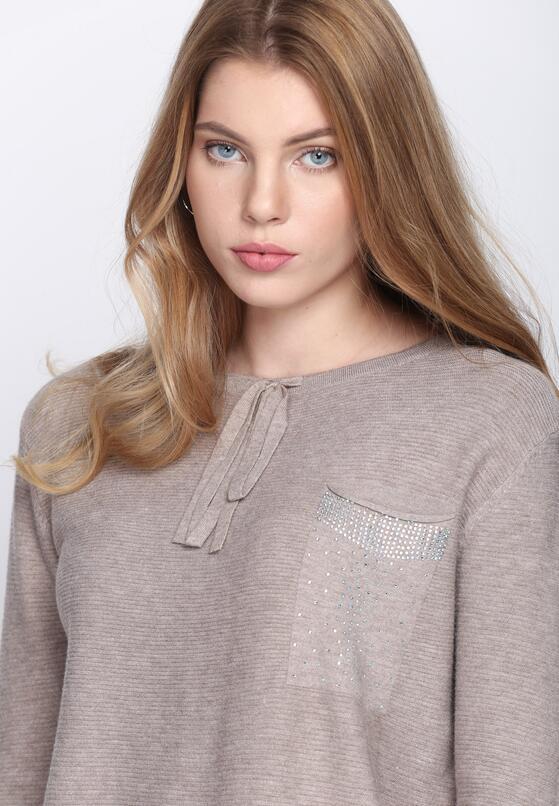 Khaki Sweter Does It Feel