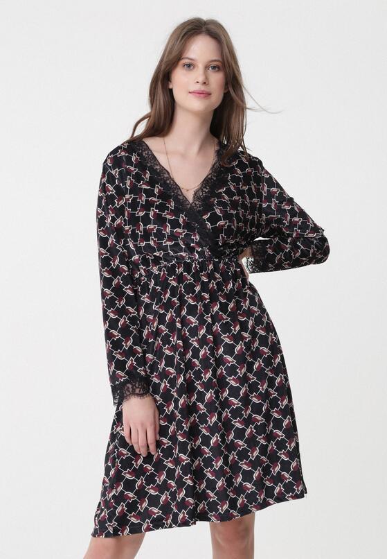 Czarna Sukienka Unmistakable