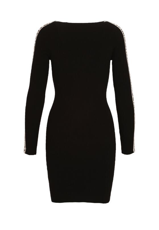 Czarna Sukienka Section