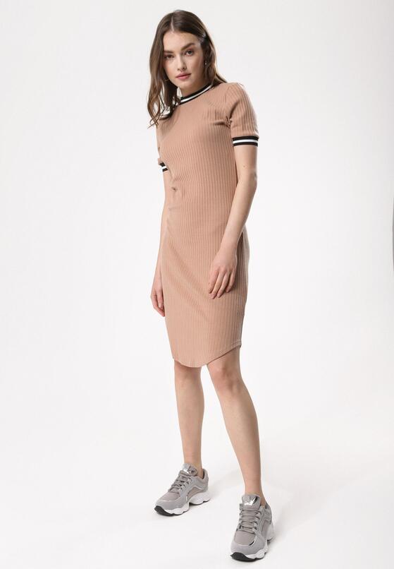Jasnobeżowa Sukienka Expert