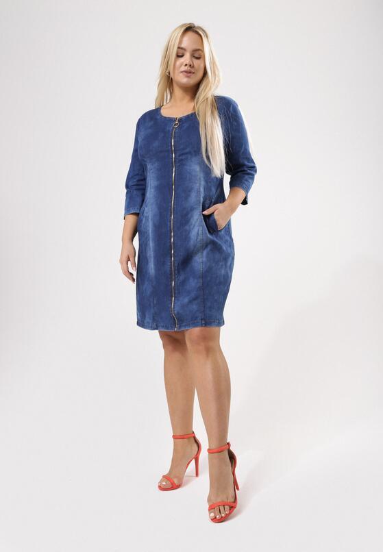 Niebieska Sukienka Happen