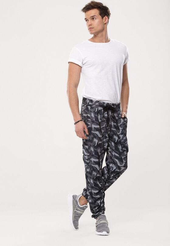 Granatowe Spodnie Capacities