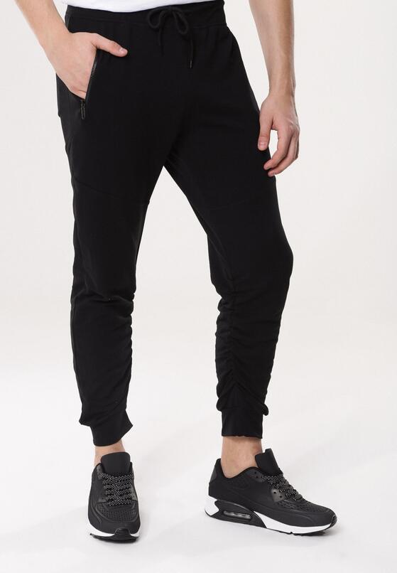 Czarne Spodnie Past Master