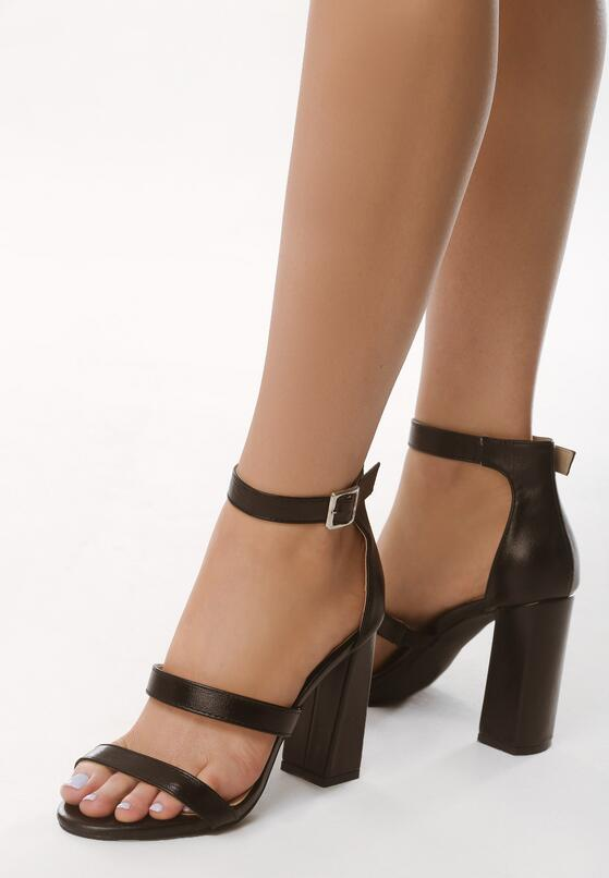 Czarne Sandały Caddish