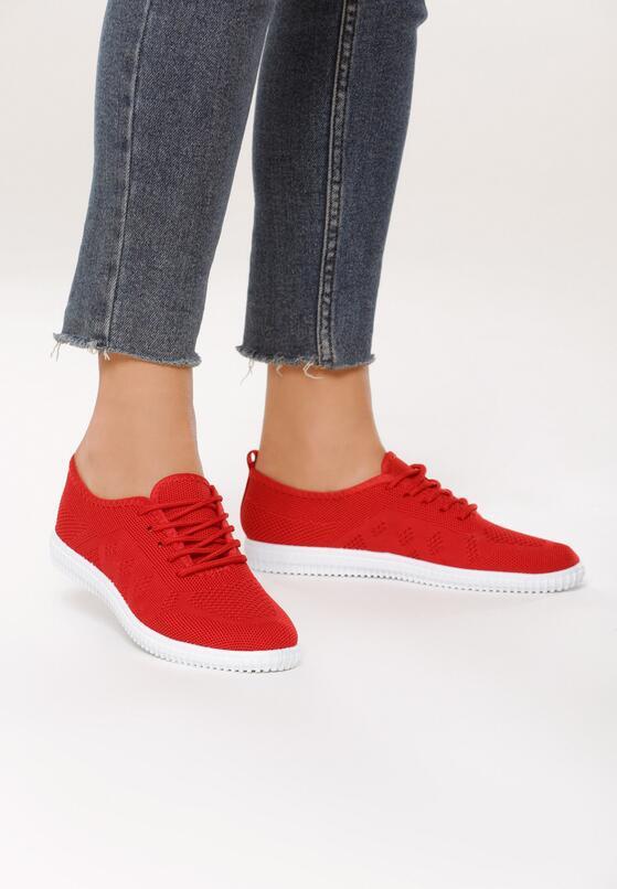 Czerwone Buty Sportowe Unpleasantness