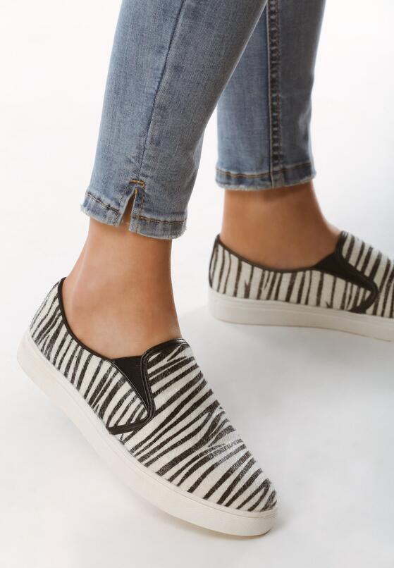 Beżowe Slip On Zebra