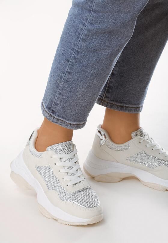 Białe Sneakersy Critically