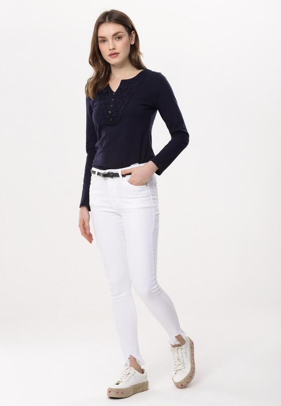 Białe Jeansy Sate