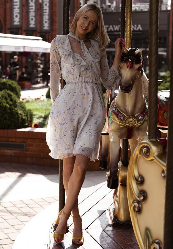 Szara Sukienka Sensationalize