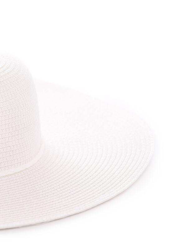 Biały Kapelusz Midsummer