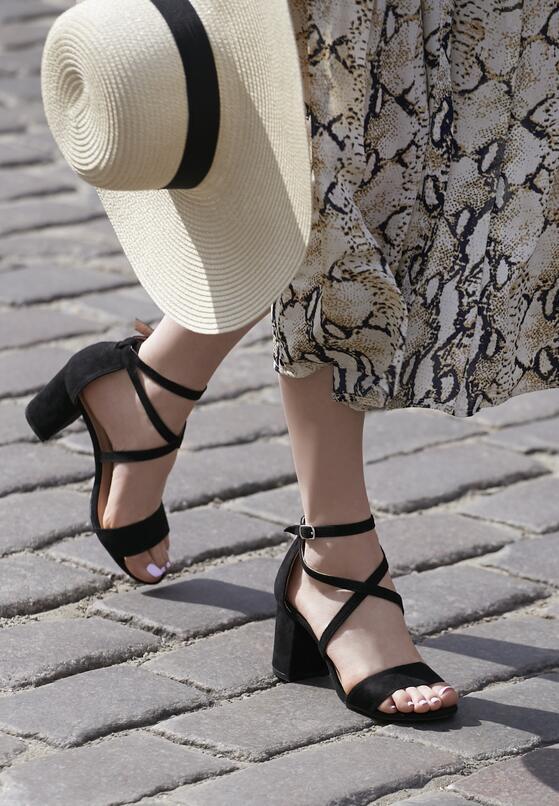 Czarne Sandały Subplot