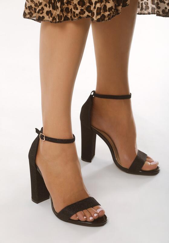 Czarne Sandały Falsity