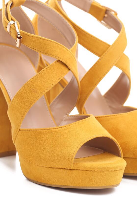 Żółte Sandały Felicitous