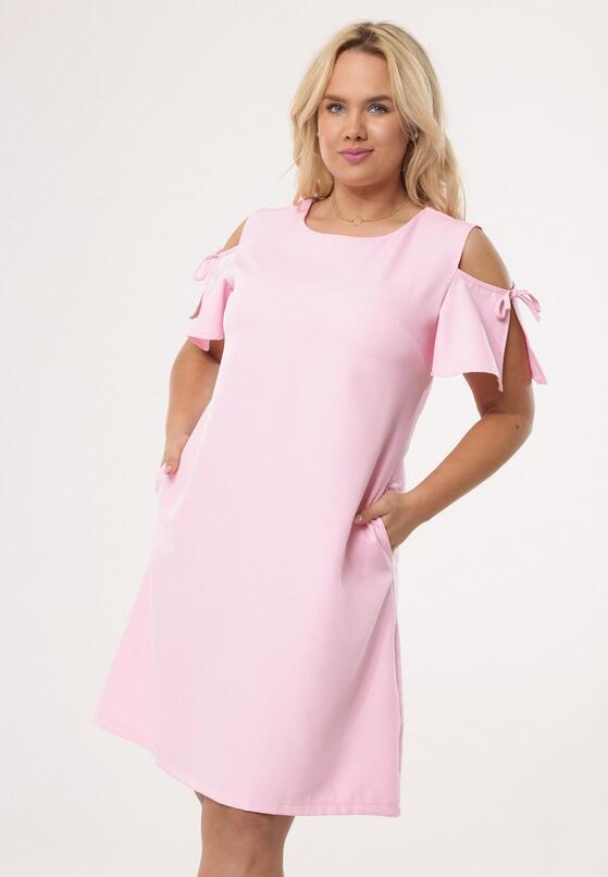 Jasnoróżowa Sukienka Disturbances