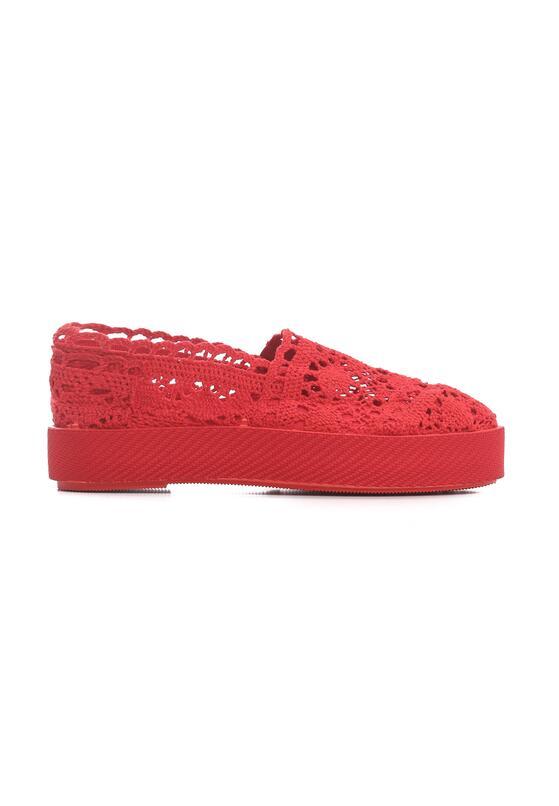 Czerwone Slip On Bundt