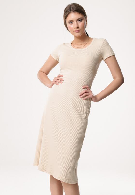 Jasnobeżowa Sukienka Assistance