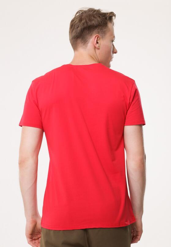 Czerwona Koszulka Participating