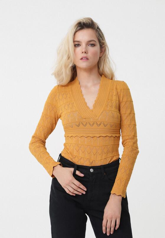 Żółty Sweter Designat