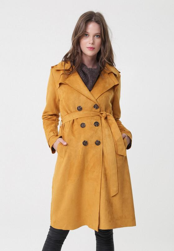 Żółty Płaszcz Chaya
