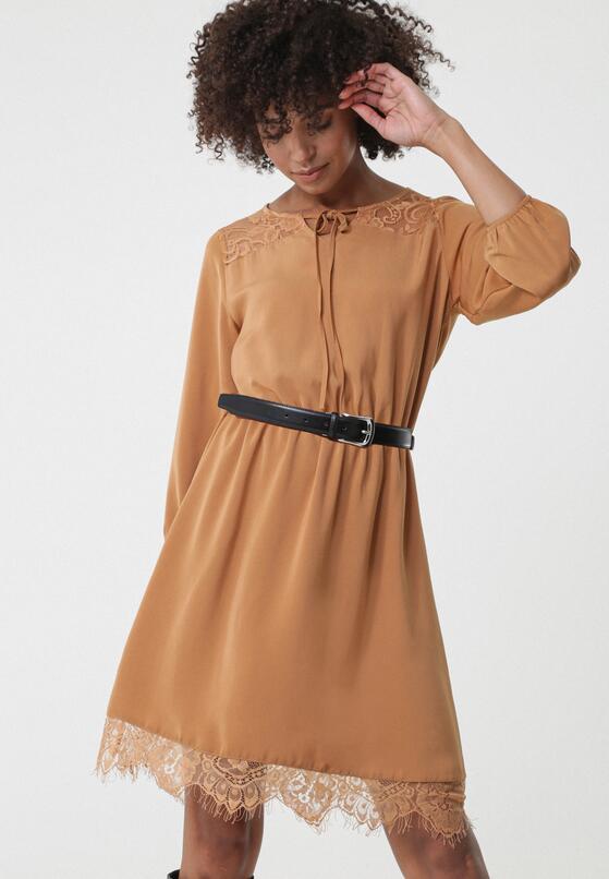 Beżowa Sukienka Nyora