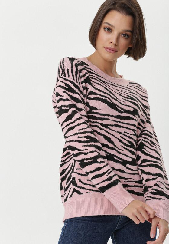 Różowy Sweter Travancore