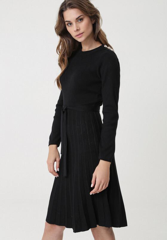 Czarna Sukienka Myuna