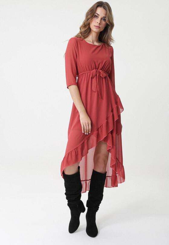 Czerwona Sukienka Far North