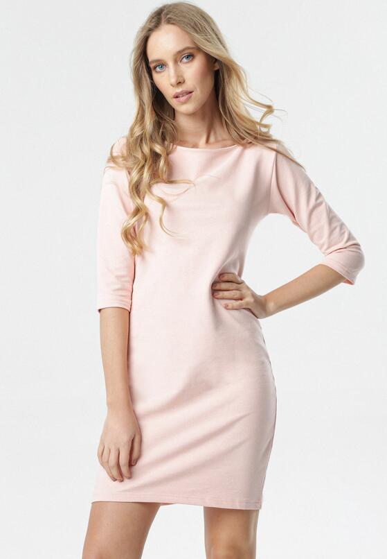 Jasnoróżowa Sukienka Eleynard