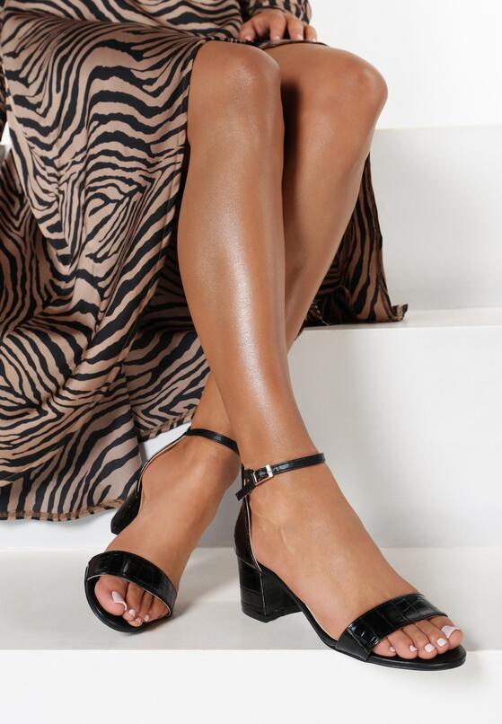 Czarne Sandały Aglaothilei