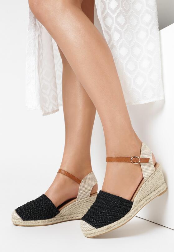 Czarne Sandały Coraenelle