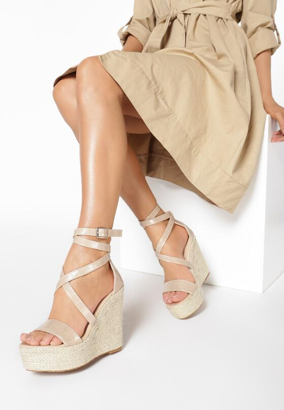 Beżowe Sandały Aeririen