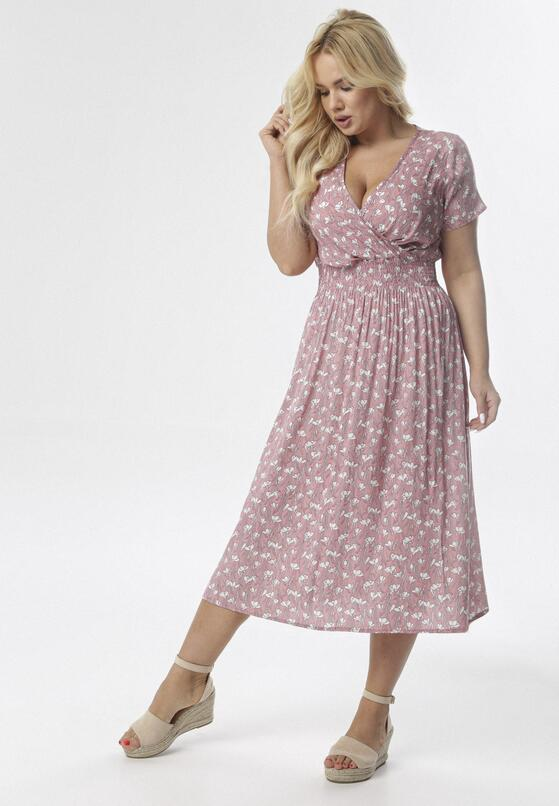Różowa Sukienka Peisirodia