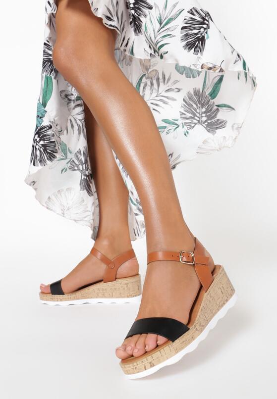 Camelowo-Czarne Sandały Assame