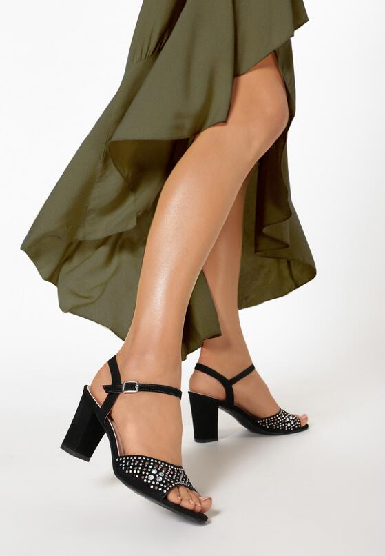 Czarne Sandały Petomeni