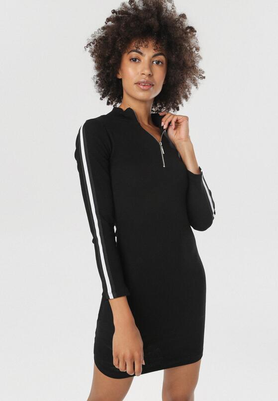Czarna Sukienka Nautigana