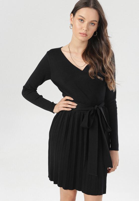 Czarna Sukienka Nereireida