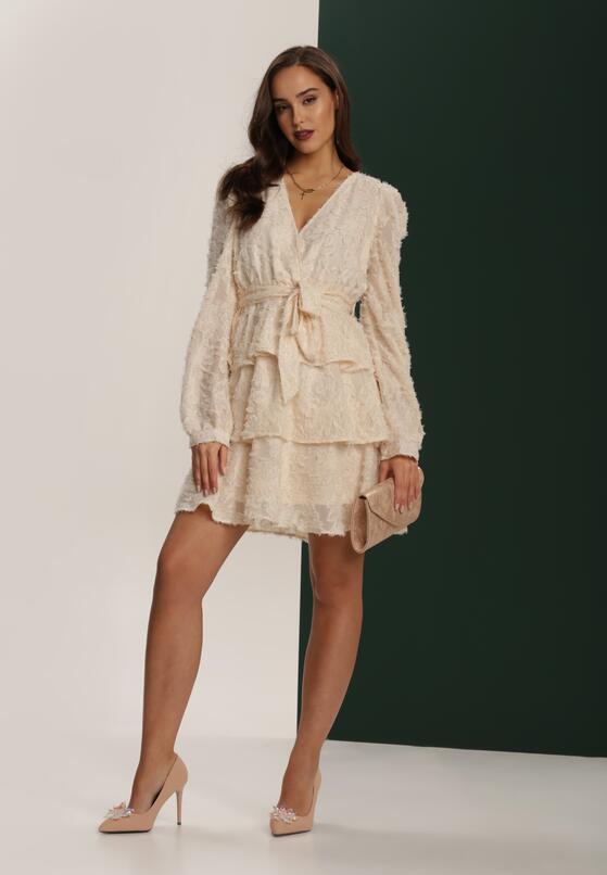 Jakie Dodatki Pasuja Do Pastelowej Sukienki Doradzimy Ci Jak Stworzyc Niezapomniane Stylizacje Born2be