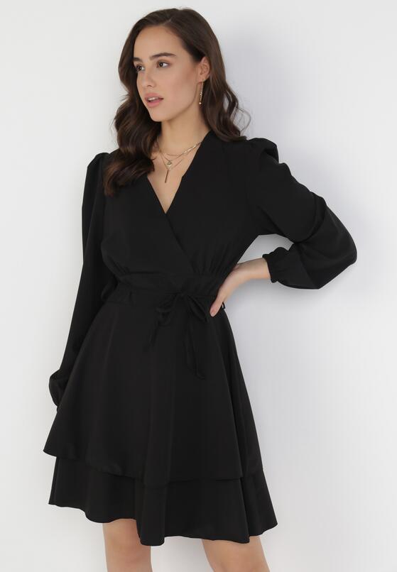 Czarna Sukienka Holaqen