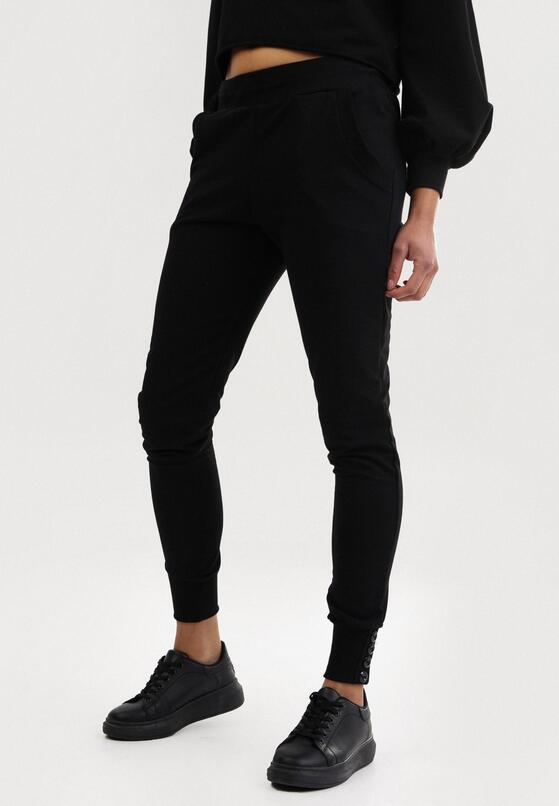 Czarne Spodnie Dresowe Uhrlenne
