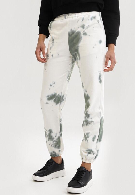 Biało-Zielone Spodnie Dresowe Qhesanya