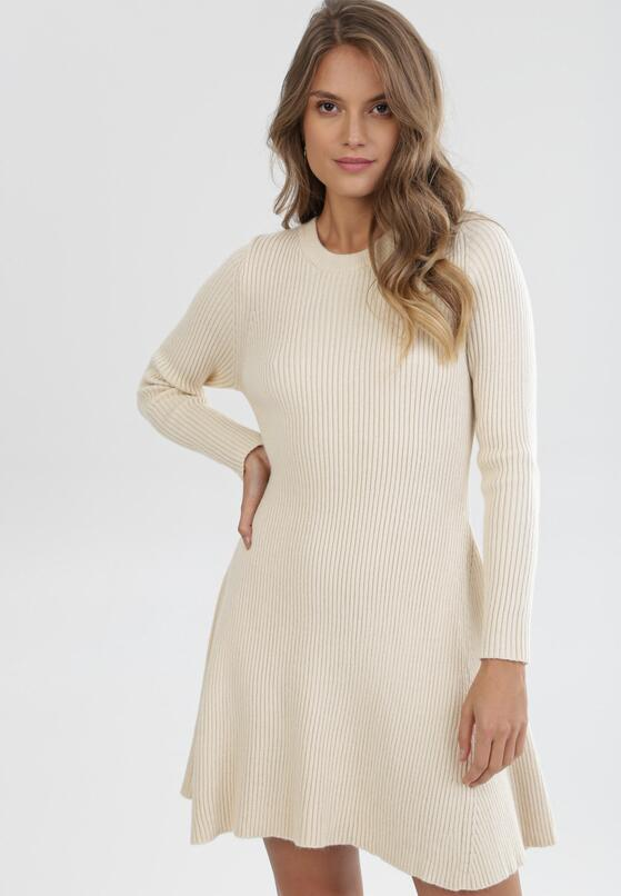 Jasnobeżowa Sukienka Dzianinowa Golds