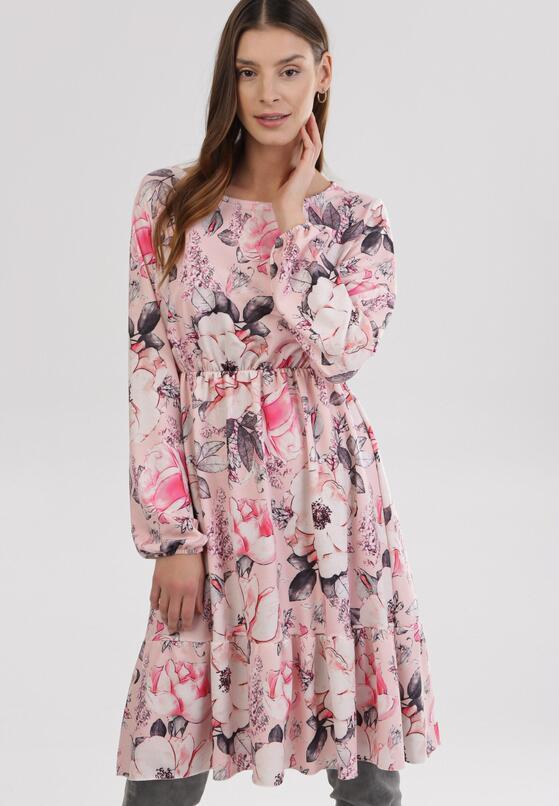 Jasnoróżowa Sukienka Amalinei