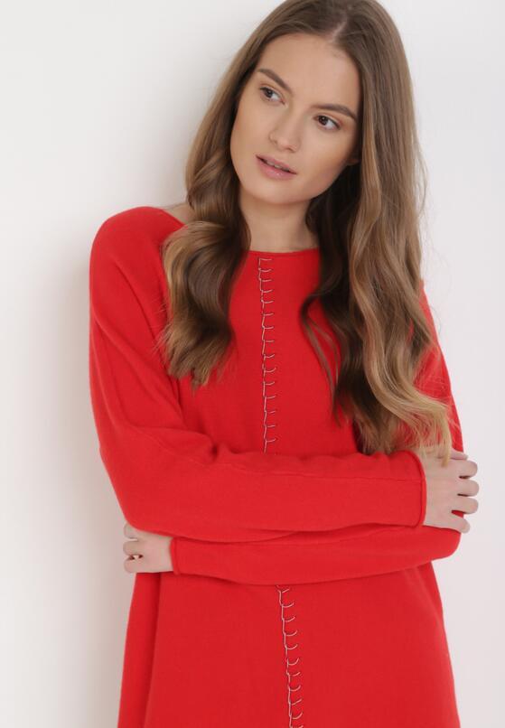 Czerwony Sweter Pheraeia