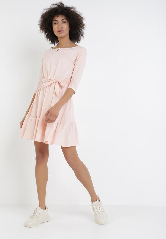 Jasnoróżowa Sukienka Thaniphi