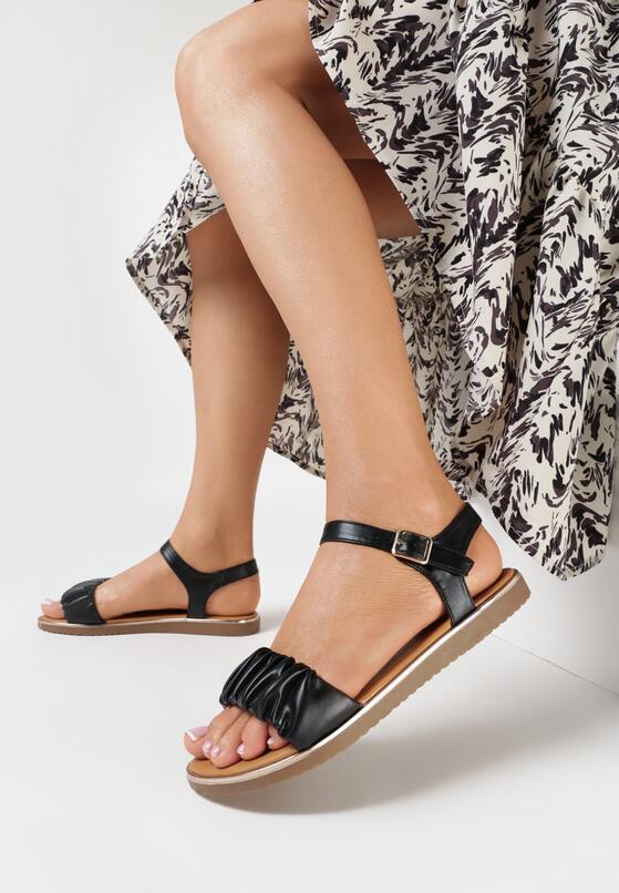 Czarne Sandały Doriphia