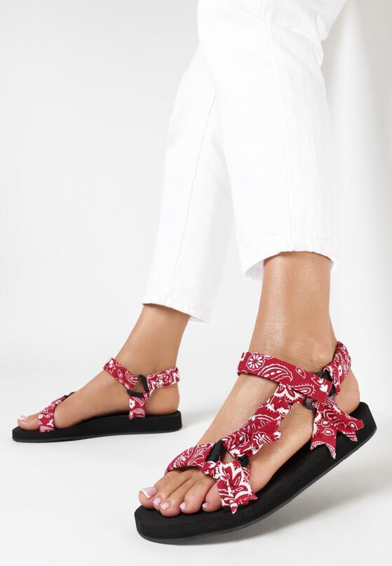 Czerwone Sandały Muriene