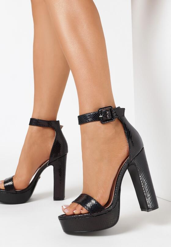 Czarne Sandały Poreitheis